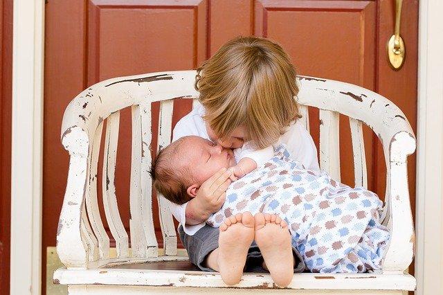 Tips para gestionar los celos infantiles