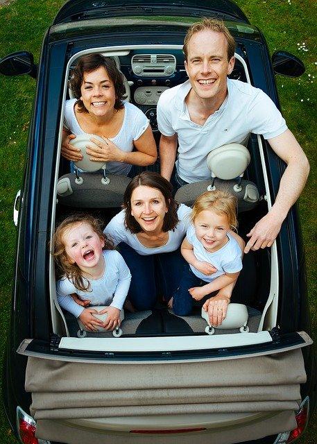 Viajar con niños en coche. Tips para divertirnos durante el viaje